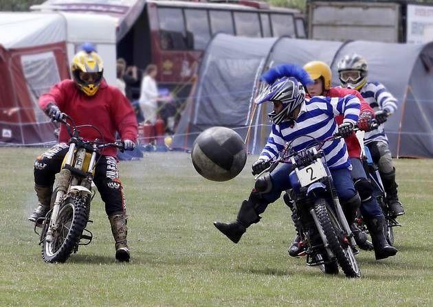 Motorball. Fotbalul cu cai putere