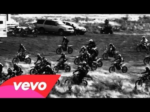 Black Rebel Motorcycle Club - Let the Day Begin. A cover of the hit by The Call.