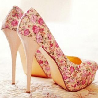 1000  ideas about Floral Heels on Pinterest | Cute high heels ...
