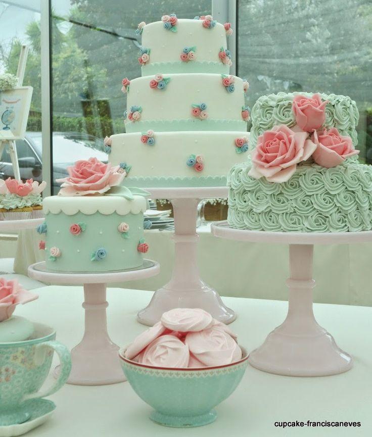 Cupcake: roses!....