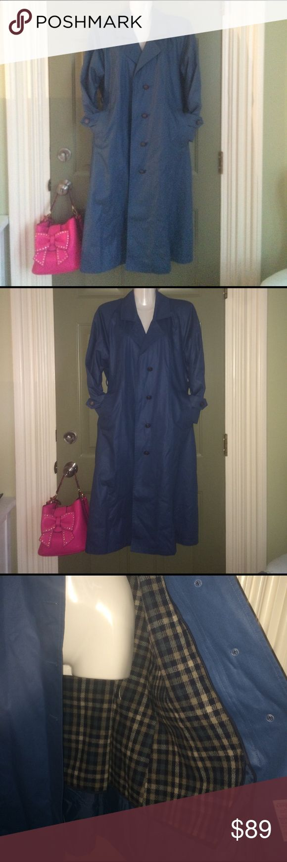 💗Spring/summer TRENCH COAT JACKET maxi longline❤️ 💗 PERFECT SPRING LIGHTWEIGHT TRENCH MAXI LONGLINE JACKET COAT. REMOVABLE LINER. COLLAR, POCKETS, BELT. EXCELLENT CONDITION. PRETTY VERSATILE BLUE. PAIR WITH CUT OFF SHORTS, dresses, business work attire,etc. Not Free People, Not Anthropologie. WOMENS medium. Anthropologie Jackets & Coats