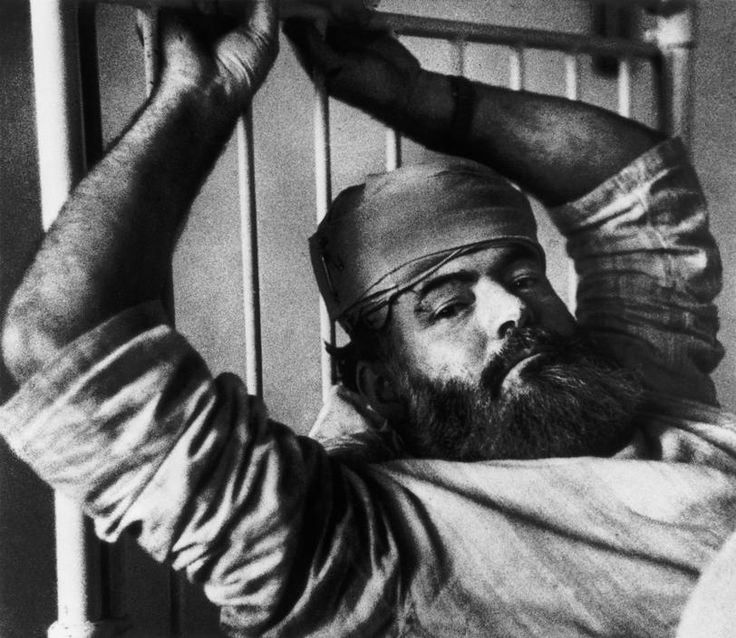 Robert Capa - Ernest Hemingway                                                                                                                                                                                 Más