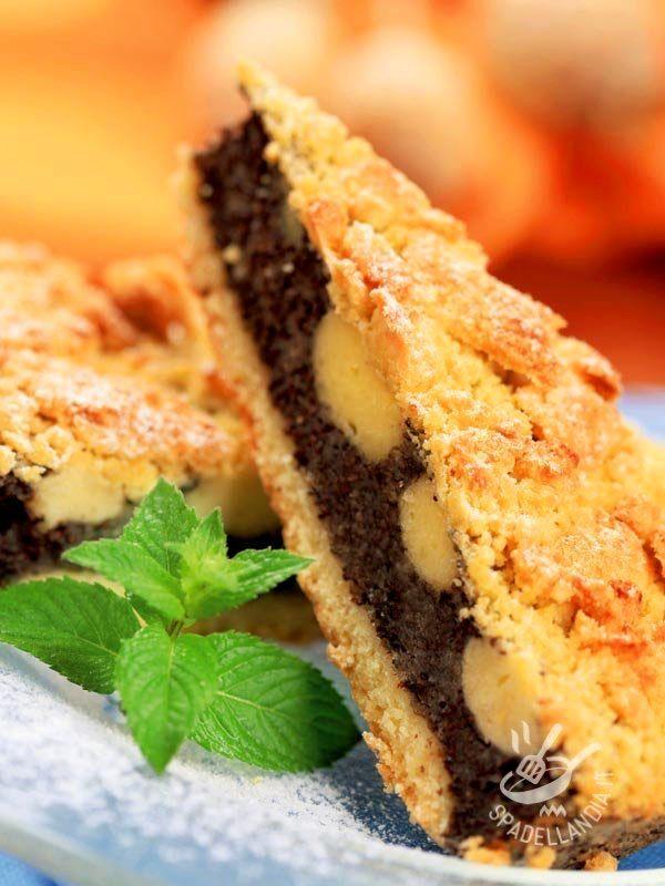 La Crostata bicolore pere e cioccolato gluten free è un dolce da forno squisito, rustico quanto basta per ricordare le ricette indimenticabili della nonna. #crostatapereecioccolato