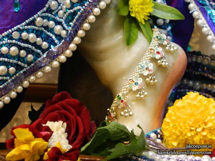 http://harekrishnawallpapers.com/sri-kunjabihari-feet-iskcon-pune-wallpaper-003/