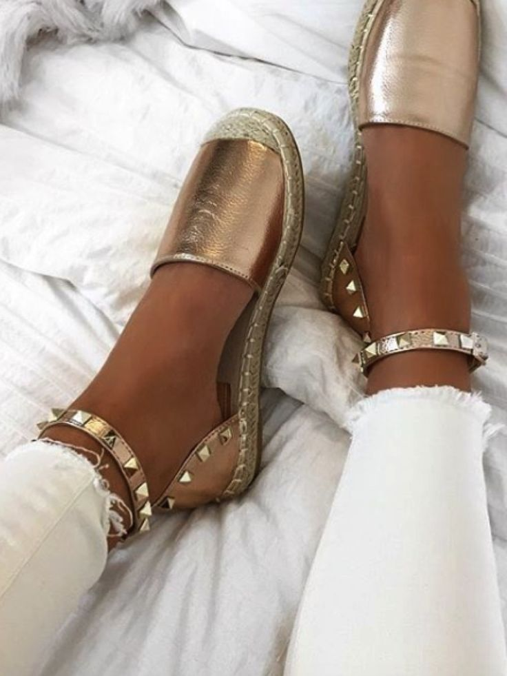 Bringing You The Hottest Fashion Footwear Around