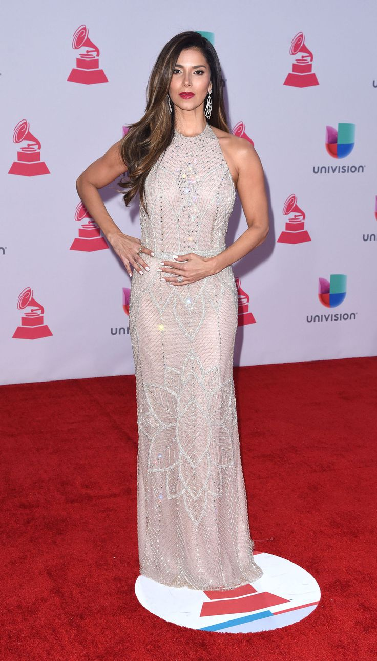 25 Must-See Looks from the 2015 Latin Grammys Red Carpet  - ELLE.com