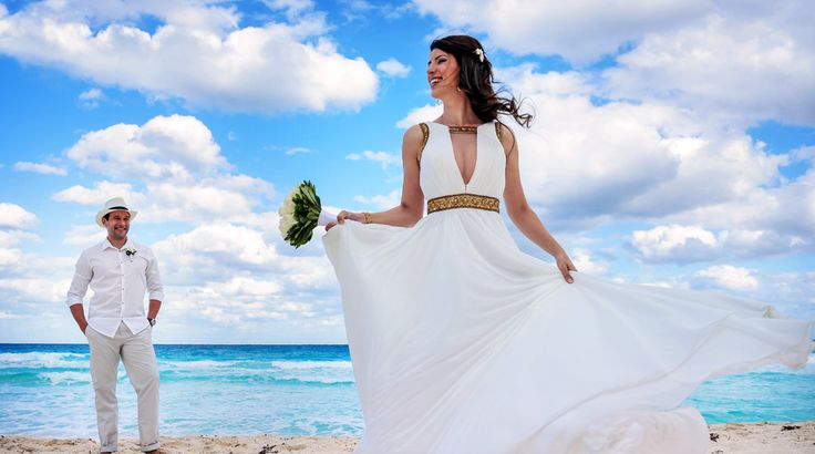 Bride and groom portrait on the beautiful beaches of Cancun, Mexico | Sun Palace #destinationwedding