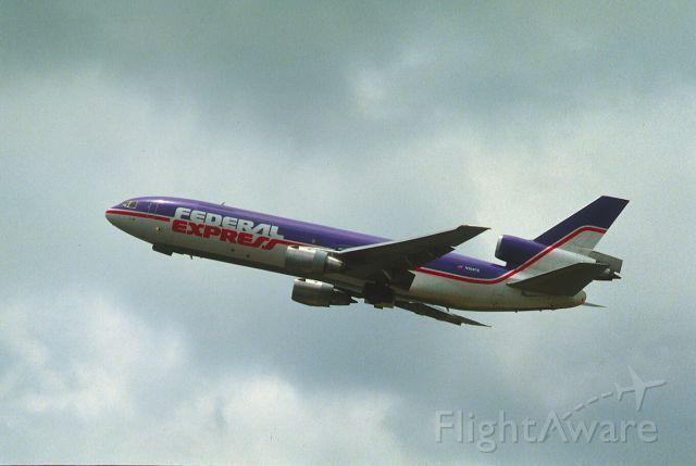 FedEx departure at Kai Tak Intl Airport Rwy13 on 1987/08/07