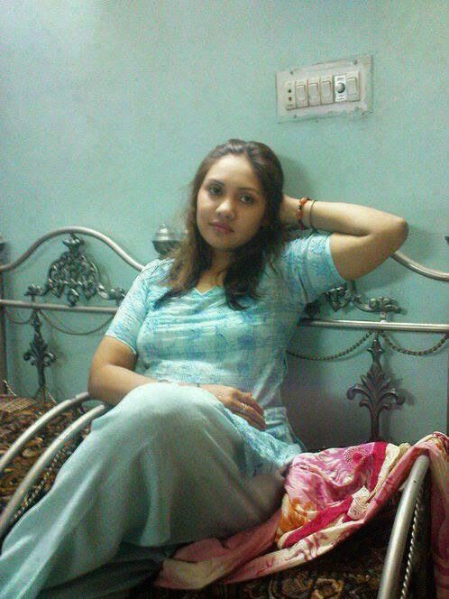 Pakistani Beautiful Desi Girls Bedroom Hot Pictures -1243