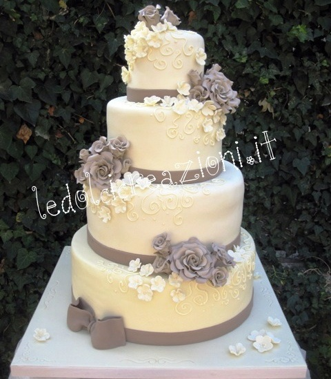 WEDDING CAKE Romanticismo Barocco Color Tortora