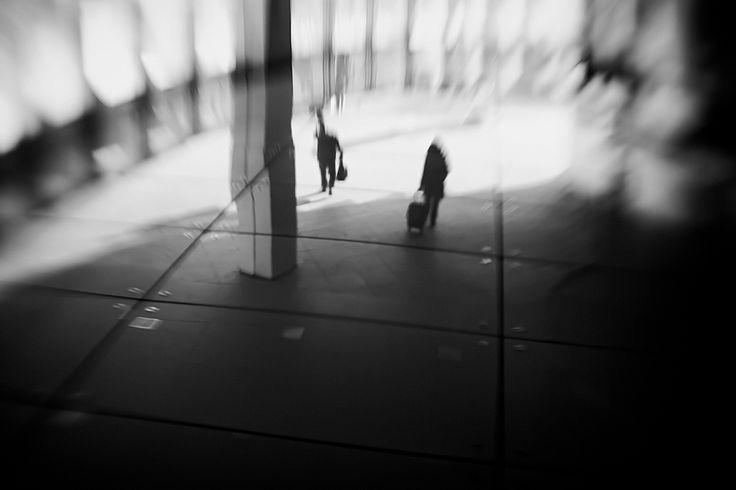 Late Passengers de Lucian Olteanu | Art Limited