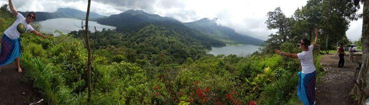 It was in 1808, as a result of a strong volcanic eruption, when the stunning Lake Buyan split in two, forming so called TWIN LAKES   Fue en el año 1808, a consecuencia de una fuerte erupción volcánica, cuando el impresionante Lago Buyan se separó en dos, formando los conocidos como LAGOS GEMELOS.