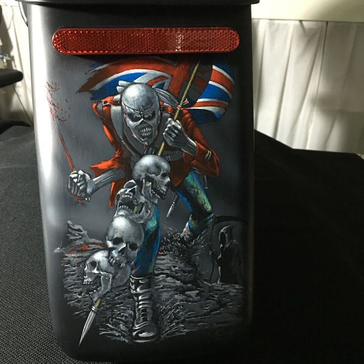 Iron Maiden painting on a new harley dresser