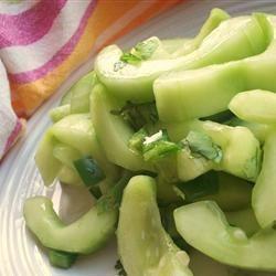 Ensalada de Pepino Estilo Tai @ allrecipes.com.mx