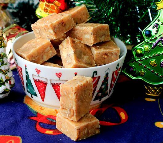Как сделать помадку с орехами http://www.kakprosto.ru/kak-934105-kak-sdelat-pomadku-s-orehami
