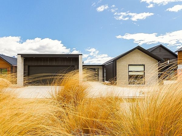 Queenstown - Wanaka/Queenstown Lakes District/Queenstown holiday home rental accommodation - Jacks Point Retreat - Queenstown Holiday Home