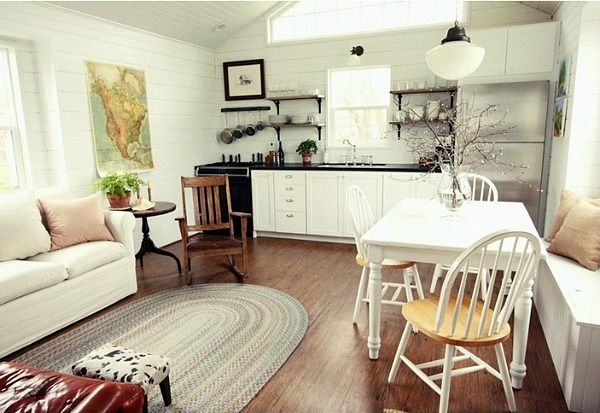 All you need in one room! Pretty , too.--Assortment Living Small blog tiny house (8)