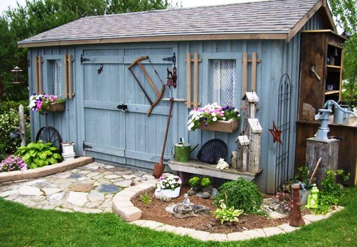 Garden shed. Casa de ferramentas ;)