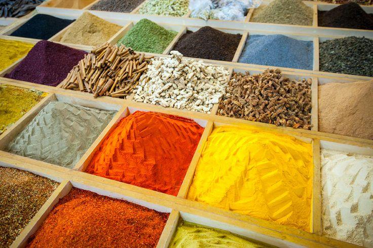 E poi, le città imperiali del Marocco, il mercato delle spezie di Istanbul.  And then, the imperial cities of Morocco, the spices's market of Istanbul.