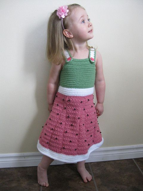 10 watermelon-inspired #crochet patterns including this dress by Little Squirrel Designs
