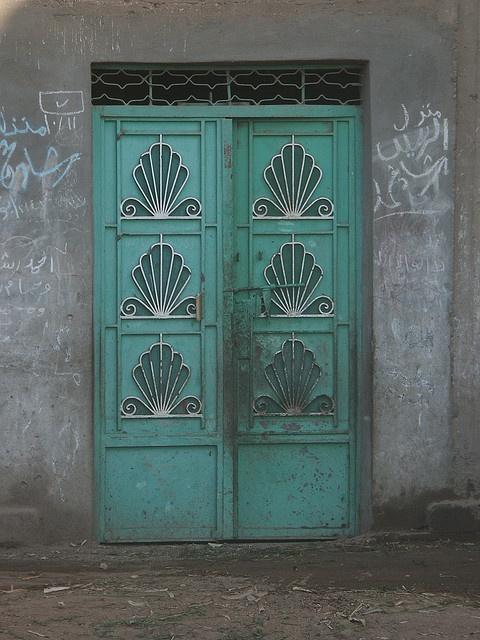 Egyptian door   -  Alexander photography  /  lastavatar   -  https://www.flickr.com/photos/lastavatar/