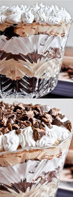 Chocolate Fudge Peanut Butter Trifle by /howsweeteats/ I http://howsweeteats.com