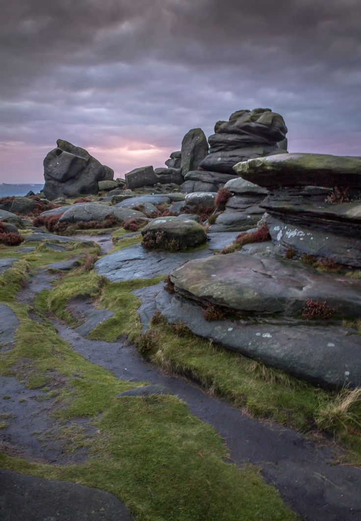 A small walk north from Mother Cap in the peak district lies some great looking rocks that look over a valley spilling out in front of them.