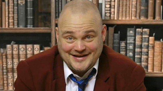 Comedian Al Murray will stand in his comedy character role as The Pub Landlord against UKIP leader Nigel Farage at the general election.
