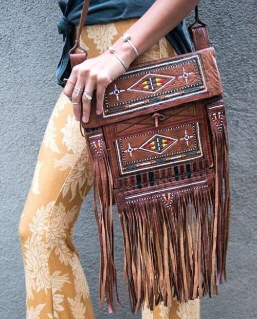 .Que bolso tan hermoso la mecha es lo sobresaliente...