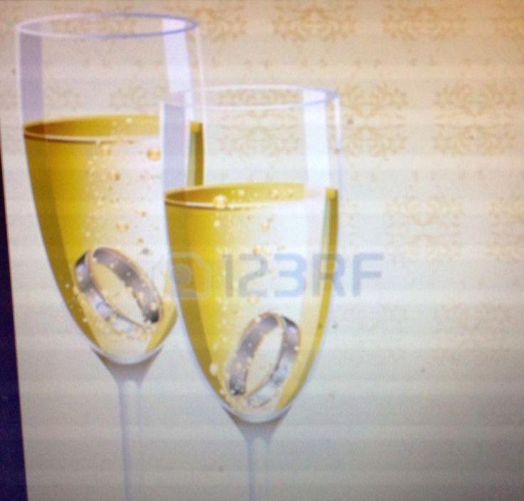 maria dicuonzo @mariadicuonzo1  ·  31 dic @TwoReaders #funnygirl p.194 Lui non avrebbe mai fatto comparire un anello di fidanzamento nella coppa di champagne
