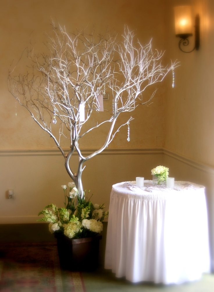 Messages guests can hang on wedding tree