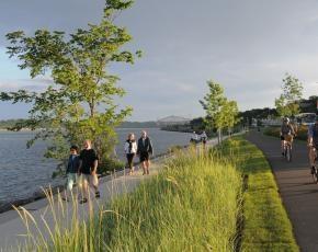 Promenade en bordure du Fleuve Saint-Laurent