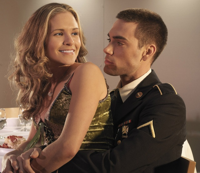 Roxy & Trevor, Army Wives A relationship like this...<333