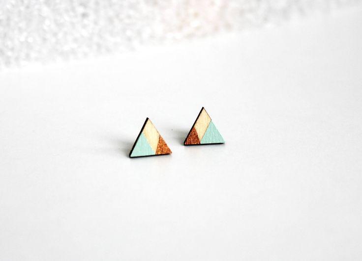 driehoek oorbellen, cadeau voor haar, koper, mint, baby blauw, houten oorbellen, cadeau voor vriendin, hand geschilderd, geometrisch door JolisMots op Etsy