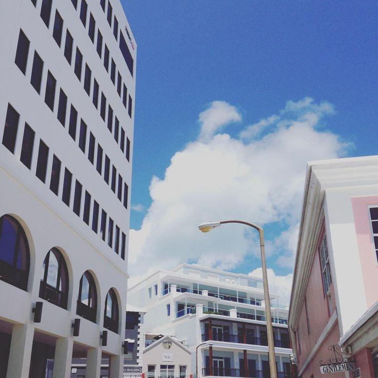 Angles in Hamilton #bermuda #imissthesummeralready #urbanscapes #islandlife #hamilton