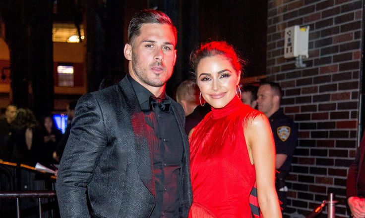 British newspaper labels Pats' Danny Amendola as girlfriend's 'mystery male companion' | For The Win