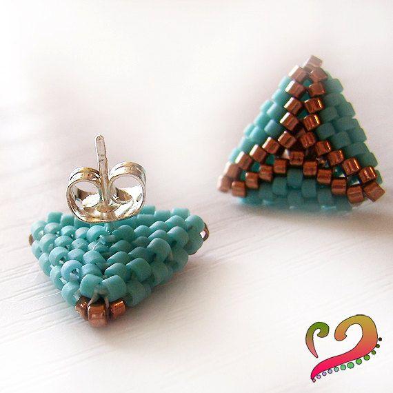 Tricute Stud Glass Earrings in Blue and Copper by dicopebisuteria