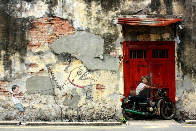 street arts in UNESCO town in Malaysia by Ernest Zacharevich