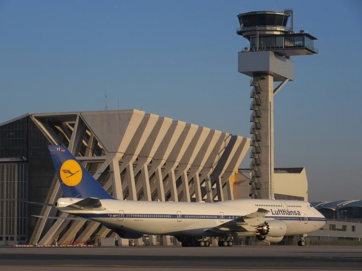 "Lufthansa Boeing 747-8i ""RetroJet"""