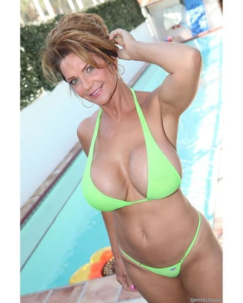 The awesome milf Deauxma     woman   Pinterest   Women and Model 54b3eb6f105