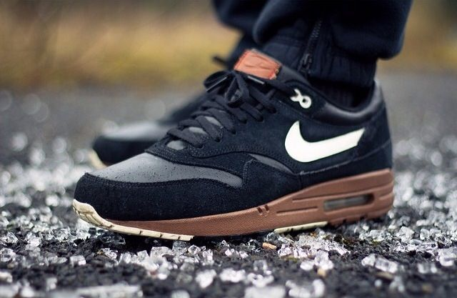Nike Air Max 1 - Walnut x