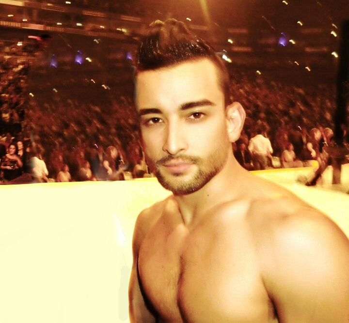 Is mark kanemura gay