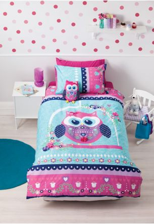 his bold, bright Duvet Cover features beautiful flower and bow designs with an array of colour to brighten your little girl's bedroom.