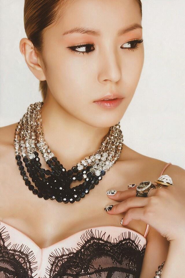 Boa/Kwon Bo Ah (Athena: Goddess of War, Waiting for Love)