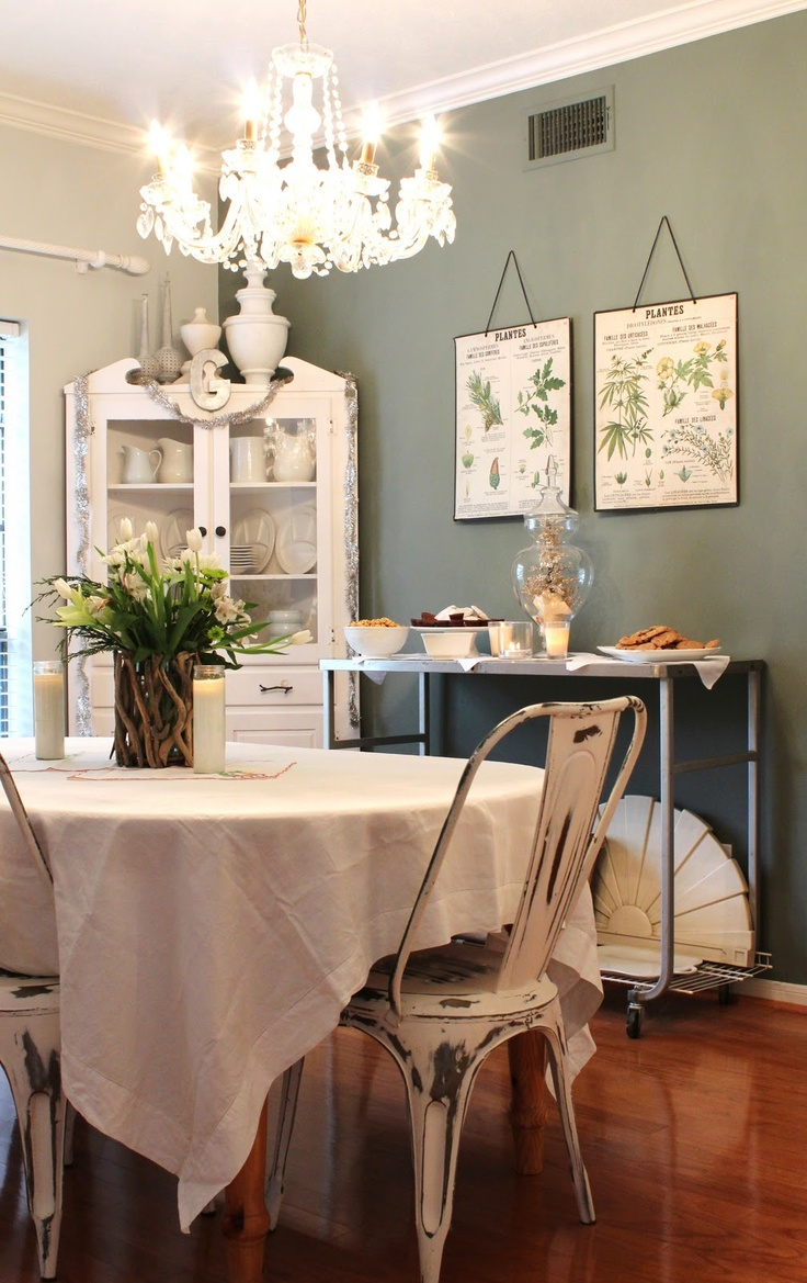 The hutch formal dining rooms and bathroom colors on for Best colors for formal dining room