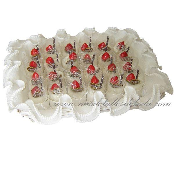Toallitas en forma de pastelitos para recuerdo de bodas bautizo y comunión http://www.misdetallesdeboda.com