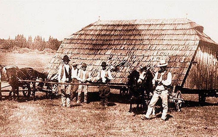 Házfedélszállítás - Székelyvarság (Udvarhely vármegye). Tagán Galimdzsán felvétele, 1942.
