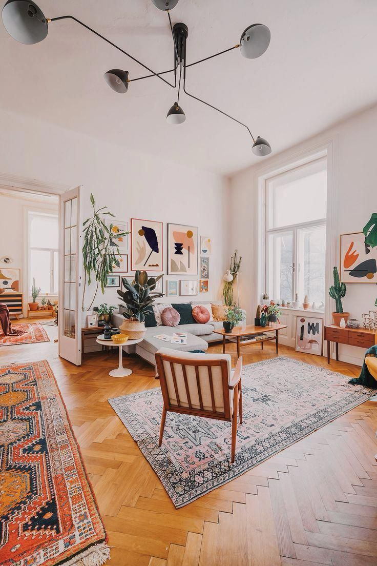 This Mid Century Boho Apartment Has A Huge Gallery Wall With Minimalist Abstract Art Abstra Mid Century Modern Living Room Modern Houses Interior Living Decor