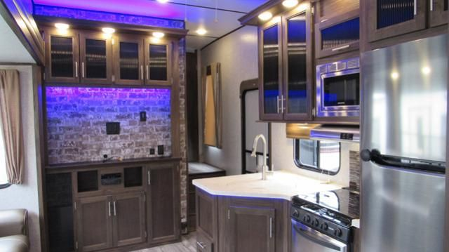 Used 2018 Cherokee Arctic Wolf 315tbh8 5th Wheel With Bunks 1 5 Baths And Outdoor Kitchen Outdoor Kitchen Arctic Wolf Arctic