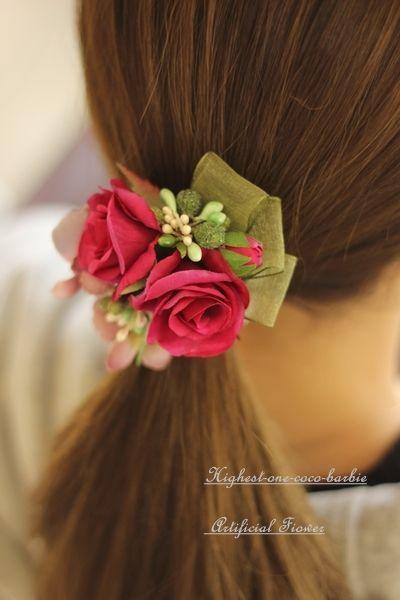赤紫の薔薇のヘアーアクセサリー